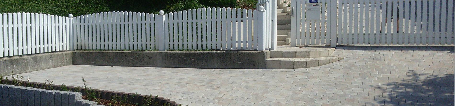 Parkplatz aus Granitbordsteinen